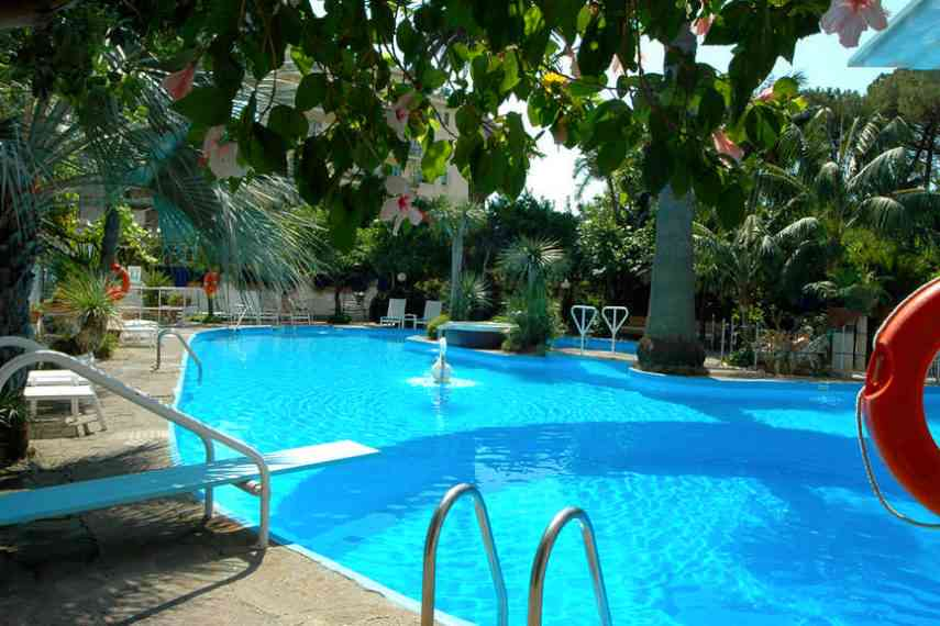 Reginna-Palace-Hotel-piscina3