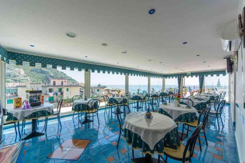 Riviera-hotels-sala-colazione
