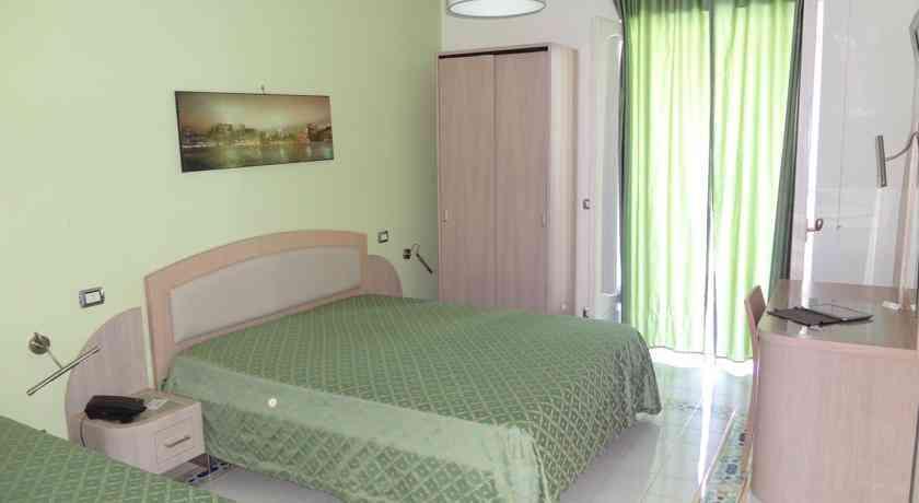 hotel-il-pino-camera5