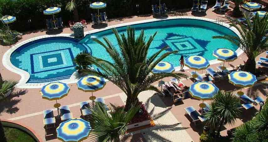 hotel-olimpico-piscina