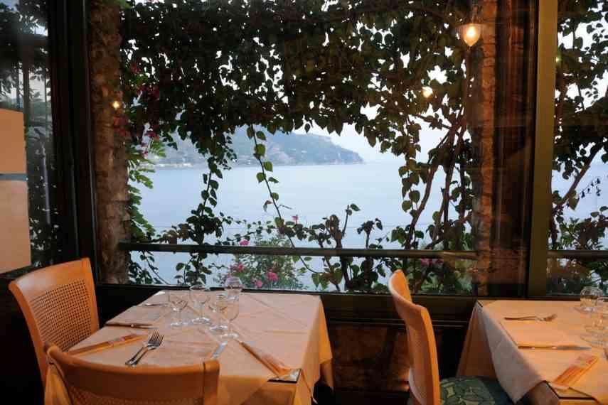 ristorante-villa-san-michele-tavolo2