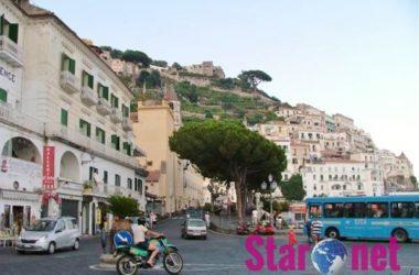 Amalfi Piazza Flavio Gioia