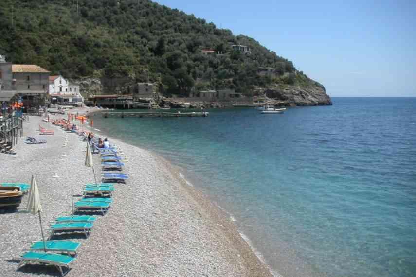 villaggio nettuno spiaggia