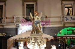 Amalfi Fontana Con Statua Di Sant Andrea