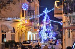 Cetara L'albero Visto Da Corso Garibaldi