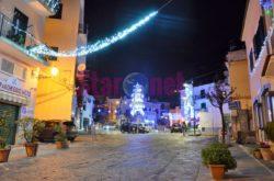 Cetara Piazza Martiri Ungheresi Addobbata Per Natale